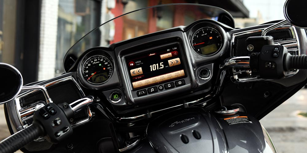 Indian® Chieftain® - SISTEMA DE AUDIO PRÉMIUM DE 100 VATIOS