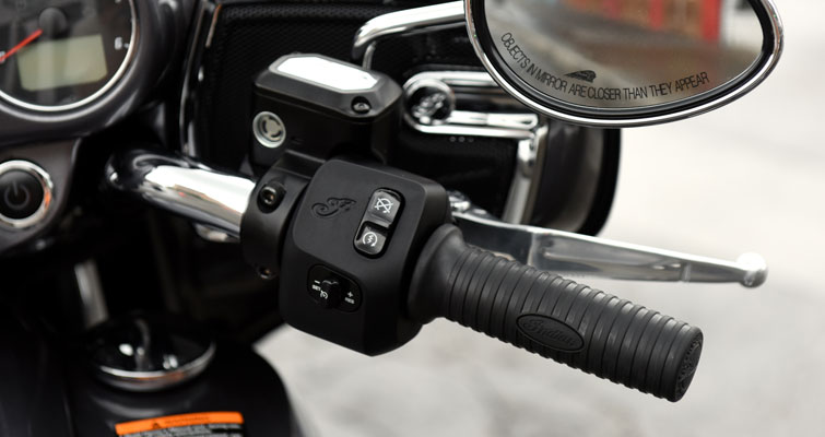 Indian® Chieftain® - MANUBRIOS CON CABLEADO INTERNO